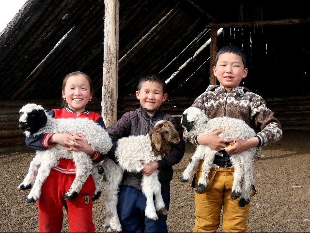 Beneficiaries from Humanitarian Emergence Project funded by START FUND in Zavkhan aimag, Mongolia 2017